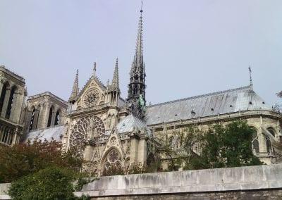 Notre Dame en Moeder Aarde